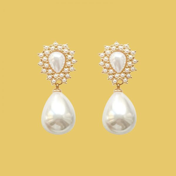 pearl earrings for mom