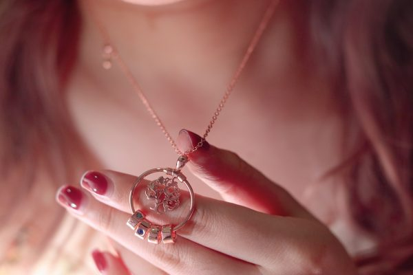 Personalized sweet home necklace model 1