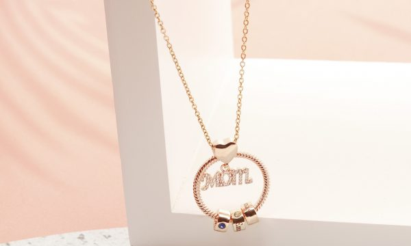 personalized super mom name necklace 3